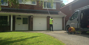 domestic-residential-window-cleaner-in-wigan-bolton-lancashire