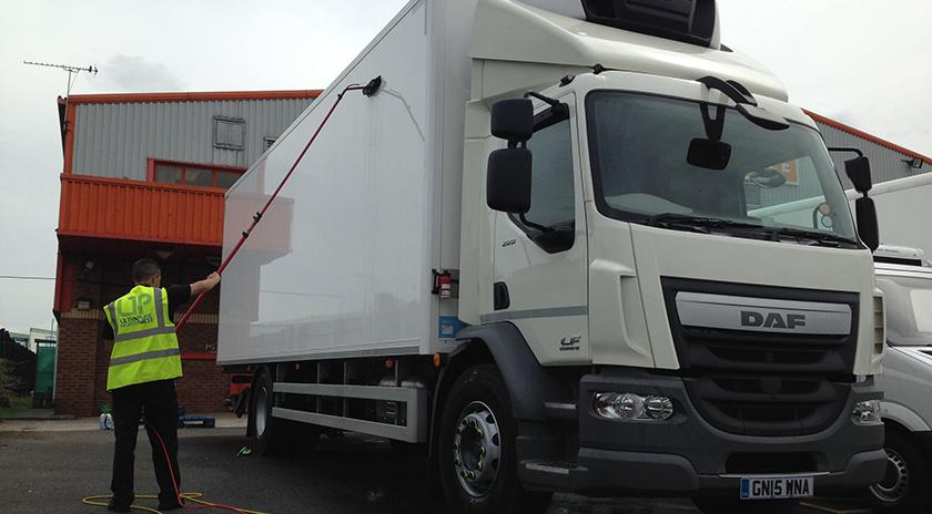 fleet-vehicle-cleaning-wigan-bolton-lancashire