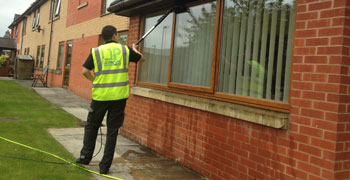 commercial-and-retail-window-cleaner-in-wigan-bolton-lancashire