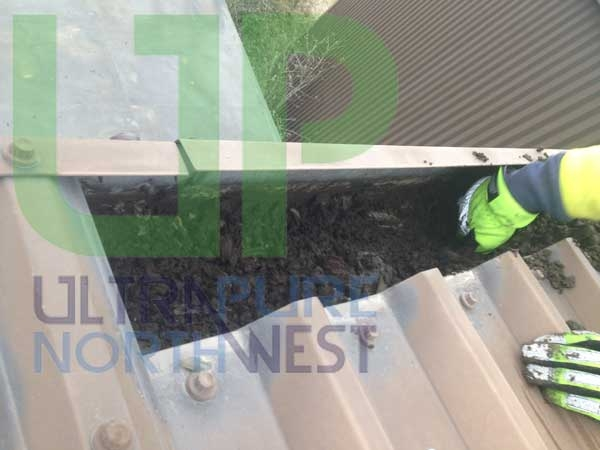 Commercial Gutter Cleaners in Wigan Bolton Leigh Warrington Manchester Bury
